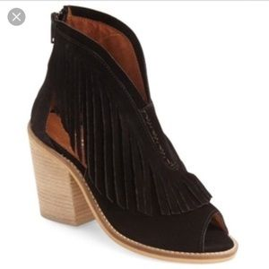 Anthro Musse&Cloud Black Leather Fringe Booties